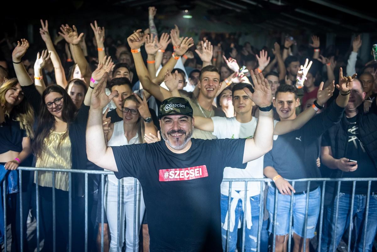 1553-DJ Szecsei